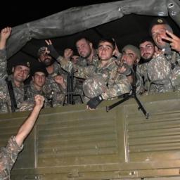 © ՀՀ ՊՆ \ Հայ զինծառայողները մեկնում են մարտի